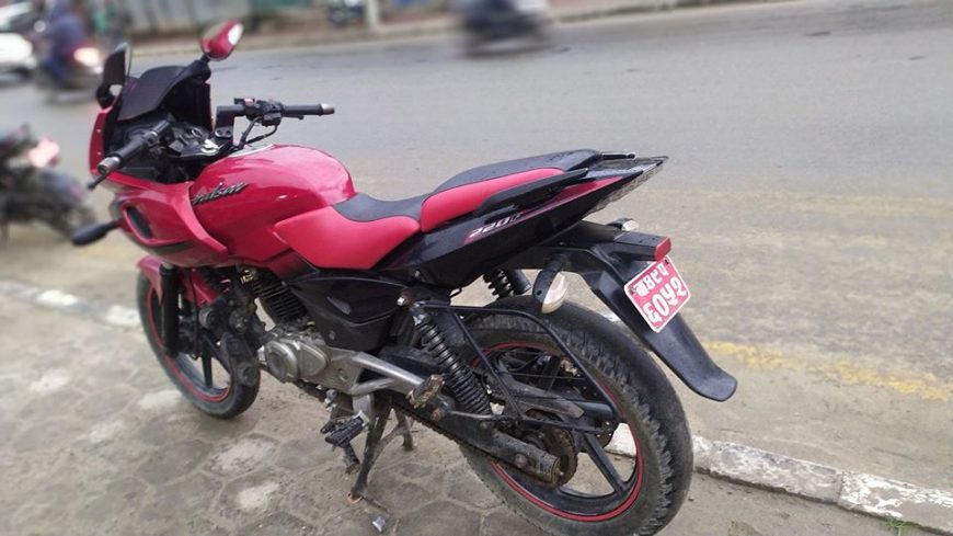 second-hand-pulsar-220-bike-for-sale-in-nepal-1